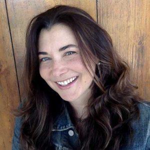 Headshot of romance author Jennifer Hallock